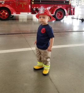 kids-firefighter-outfit
